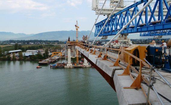 IUOE 115 Golden Ears Bridge crane