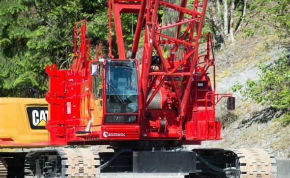 IUOE 115 Manitowoc crane